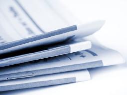 Stapel AK-Zeitschriften - Informationen für Mitglieder © Kati Molin, Fotolia