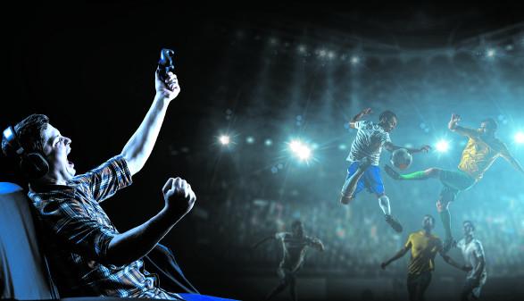 Gamer vor Bildschirm © Sergey Nivens/stock.adobe.com