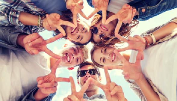 Gruppe junger Menschen © Syda Productions, Fotolia