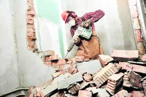 Arbeiter mit Presslufthammer © Kadmy/stock.adobe.com