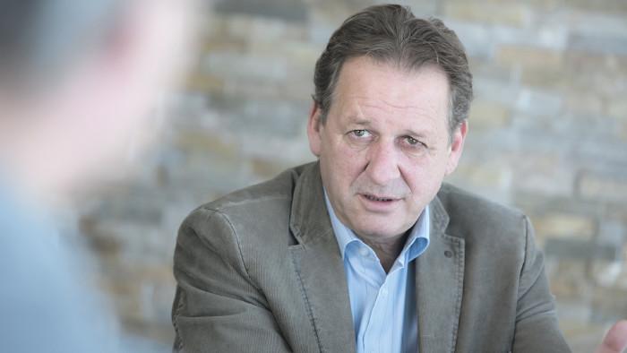 AK Präsident Zangerl im Gespräch © AK Tirol/Friedle