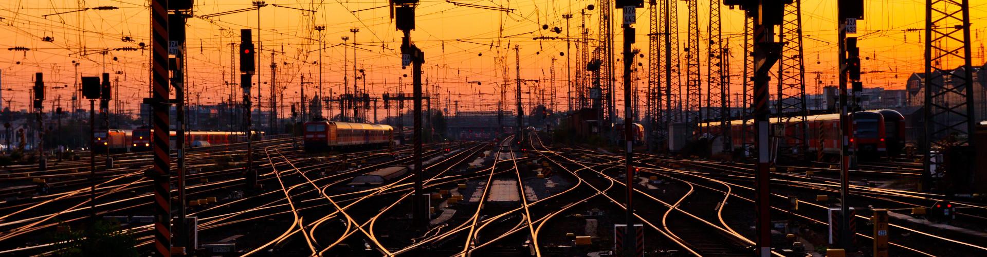 Eisenbahnschienen © Adobe, Adobe