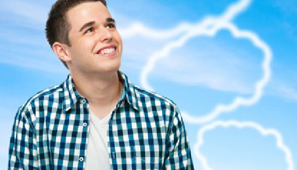Ein junger Mann der lächelt. © Alexander Raths, Fotolia