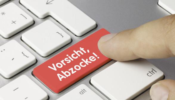 Tastatur mit Taste Vorsicht, Abzocke © momius/stock.adobe.com