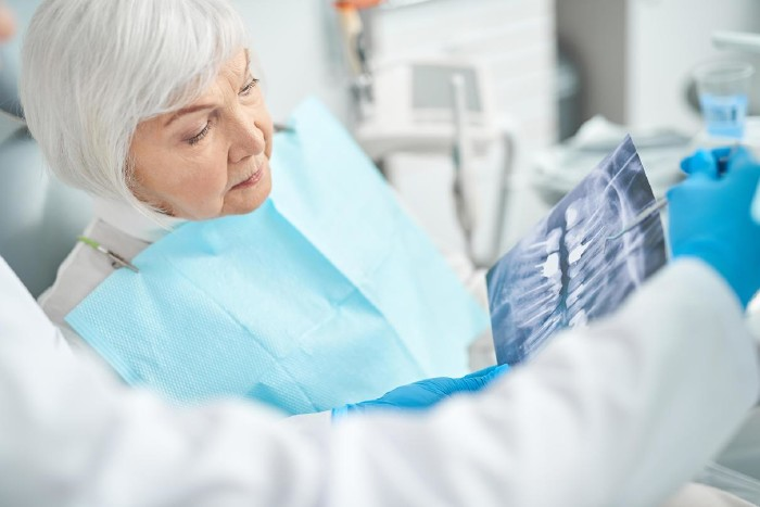 Patientin beim Zahnarzt © Yakobchuk Olena/stock.adobe.com