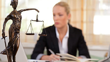 Das Insolvenzgericht entscheidet über ein Insolvenzverfahren © Gina Sanders, Fotolia.com