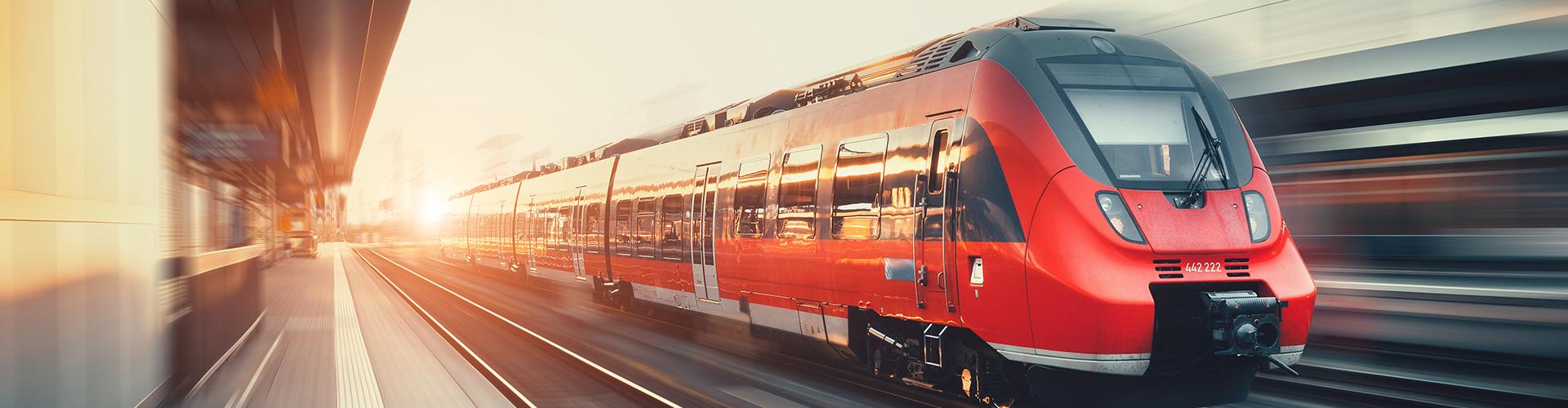 Öffentlicher Verkehr, Zug © Den Belitsky, AdobeStock