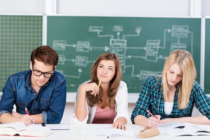 Schüler beim Lernen © contrastwerkstatt/stock.adobe.com
