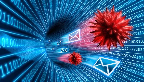 Viren und Emails auf der Datenautobahn © PeterSchreiber.media(stock.adobe.com