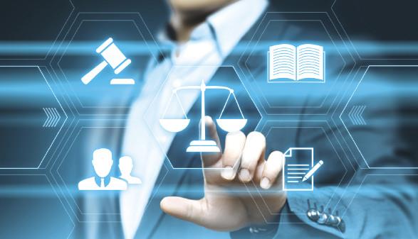 Diverse Symbole zum Thema Justiz © Sikov/stock.adobe.com
